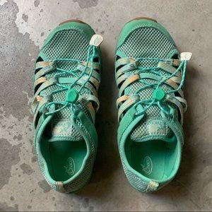 Chaco outcross 2 water sneaker sandal shoes. 4